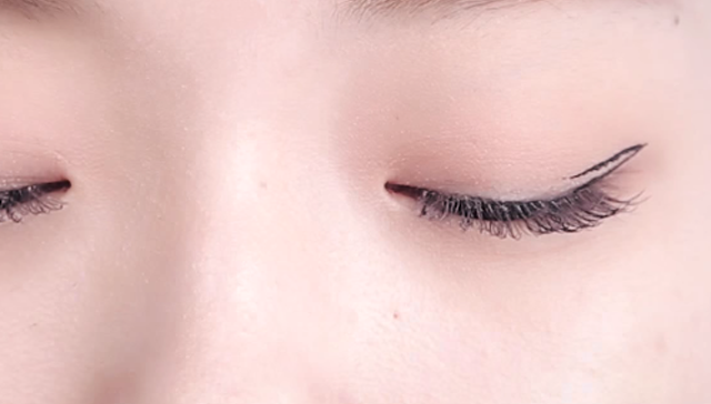 Natural Eye-line for Double Eyelid STEP 2 Image