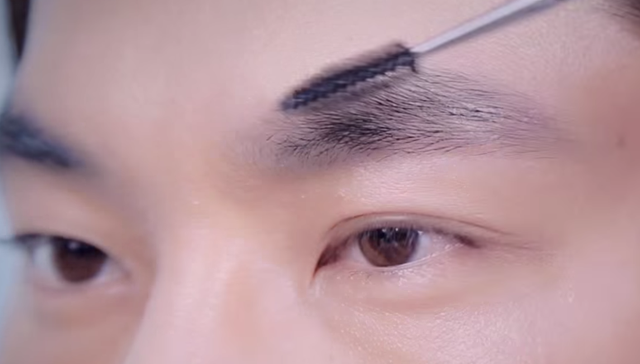 How to make handsome brow for summer holiday STEP 3 Image